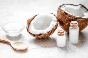 Huile de coco pour vos cheveux: allié ou ennemi?